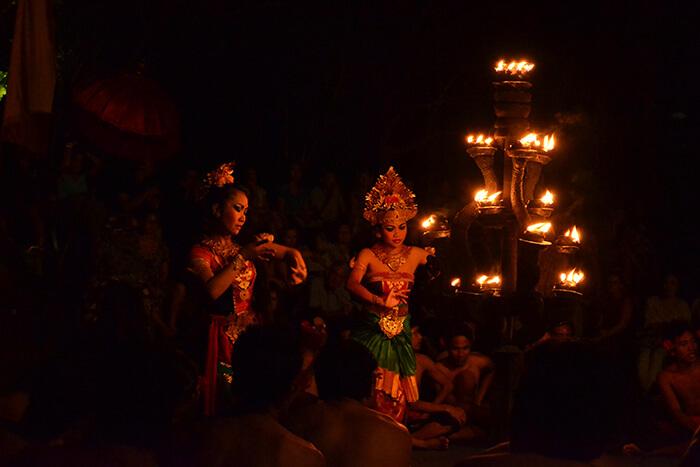 Bali bezienswaardigheden: kecak voorstelling