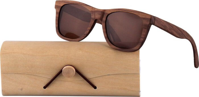 Zonnebril van hout