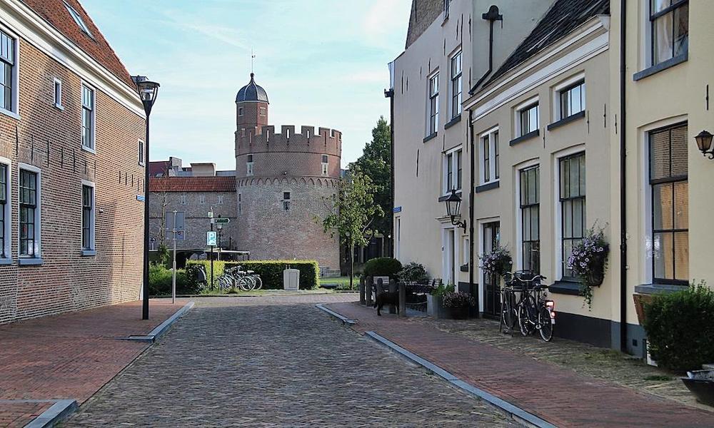 Bijzondere hotels Nederland: De Pelsertoren